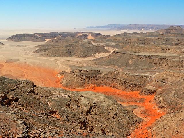 Wadi en la meseta de Gilf el Kebir (Desierto de Libia, Egipto)