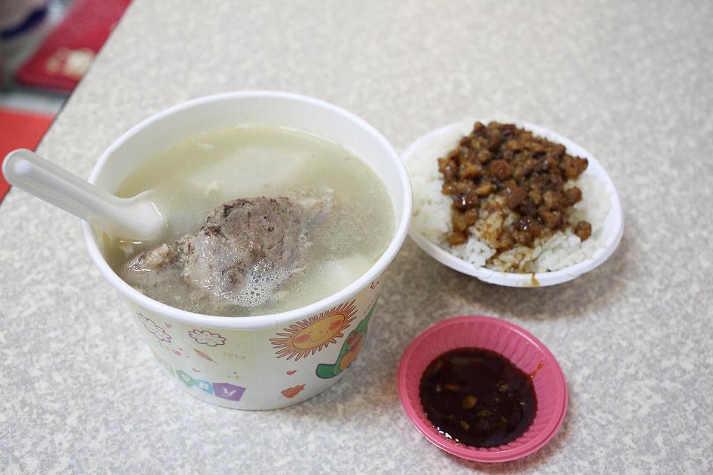 20140403萬華-山水街蘿蔔排骨湯 (4)