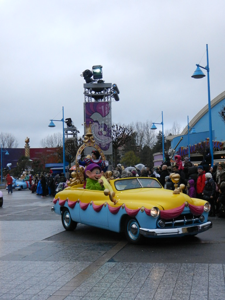 Un séjour pour la Noël à Disneyland et au Royaume d'Arendelle.... - Page 7 13902940605_ee2ae09cc6_b