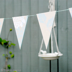 Pretty printed outdoor bunting