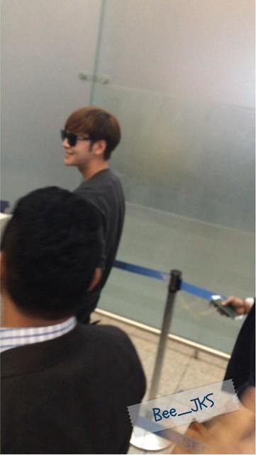 [Pics] JKS departs from Seoul to Beijing_20140425 14016124052_8d748b4729_z
