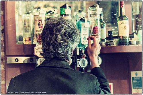 Robin Parmar playing the bar