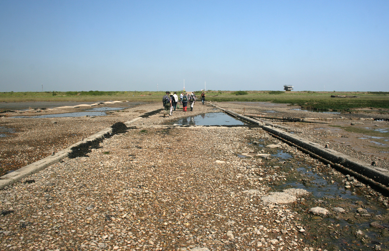 Asplins Head The jetty onto Foulness Island at Asplins Head.