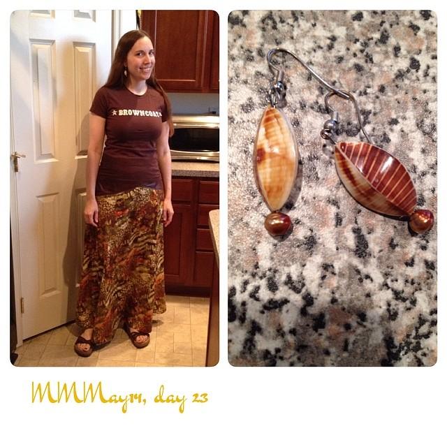 #mmmay14 me-made @sewaholicdotnet Gabriola skirt & earrings, #firefly tee, Birkenstocks.