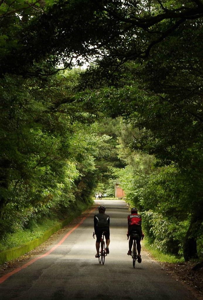巴拉卡上的單車雙人組