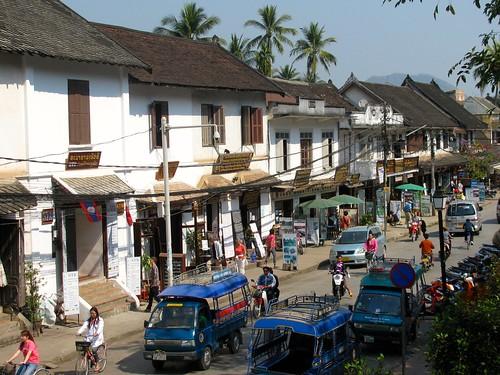 Vista general de calle Sisavangvong