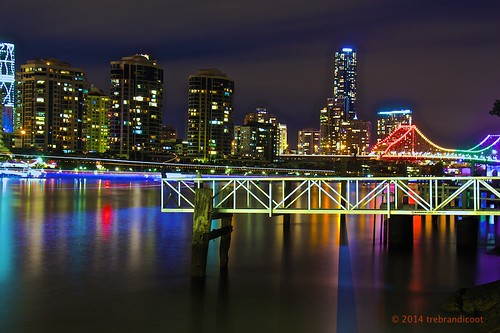 bridge light water ferry bulb night river photography lights rainbow long exposure shot trails brisbane story thelook queenslandaustralia