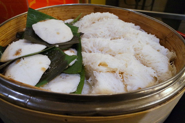 That's a rare sight - putu mayam freshly steamed !