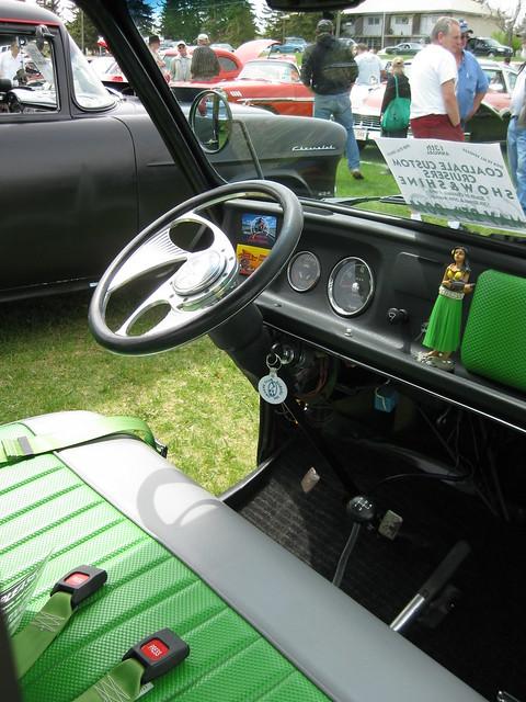 1969 Subaru 360 pickup interior