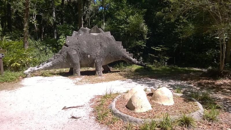 Bongoland - Stegosaurus and nest