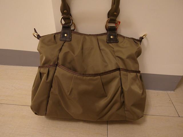 Storksak Olivia Moss 金棕奧莉薇包,背面也有口袋