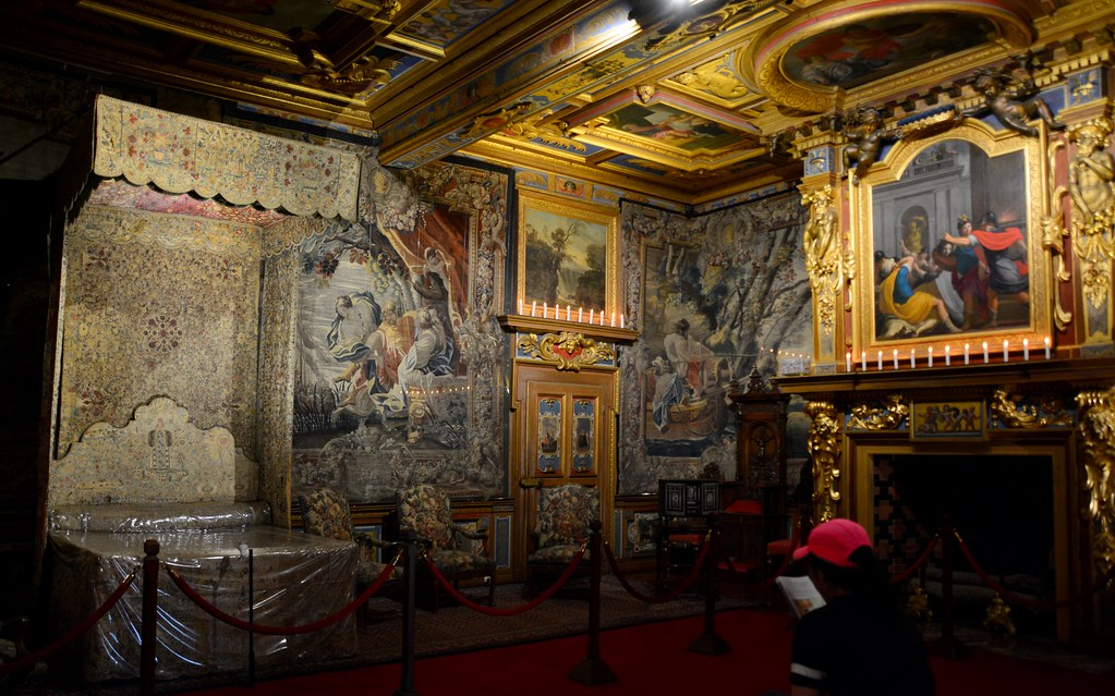 """Inside the """"King's Chambers"""" : June 15"""
