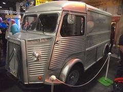 truck(0.0), antique car(0.0), vintage car(0.0), automobile(1.0), van(1.0), vehicle(1.0), citroã«n h van(1.0), land vehicle(1.0), motor vehicle(1.0),
