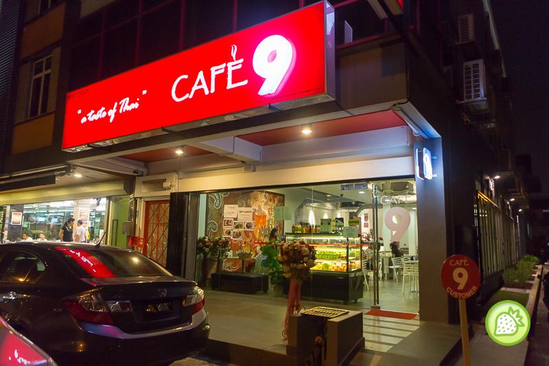 CAFE ON 9