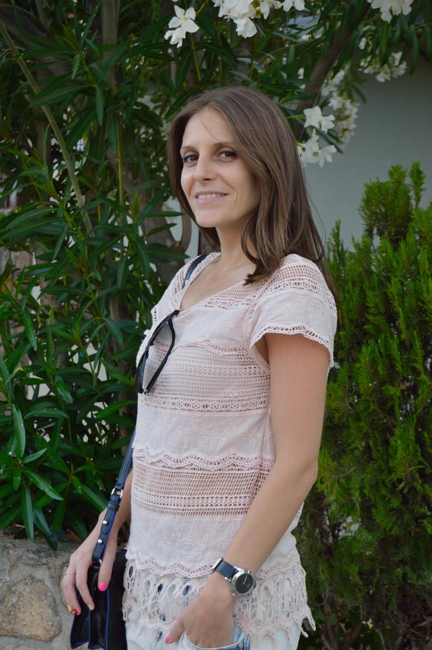 lara-vazquez-madlula-blog-style-fashion-lace-soft-pink-tee