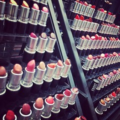 We are shopping... #mac #makeup #lipstick