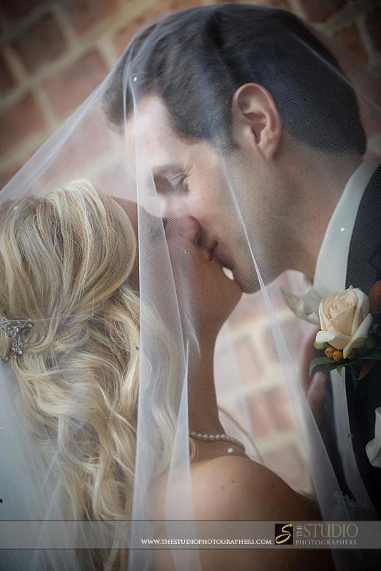 Veiled kises - Brittany