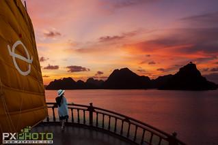 Sundeck - Empero Halong Cruise