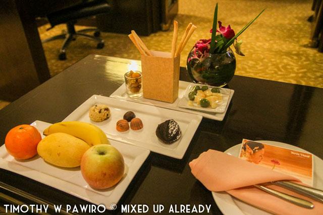 Philippines - Manila - Dusit Thani - Club Executive Suite - Daily refreshment