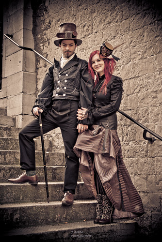couple steampunk