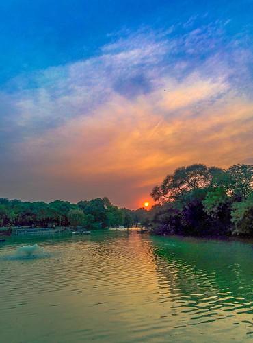 sunset india golden evening delhi lg hour hdr newdelhi earthday lightroom 22april hauskhas nexus5