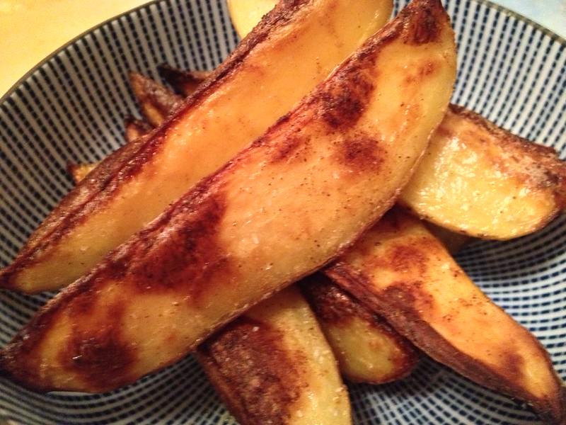 Spicy Smokey Potato Wedges : Close Up