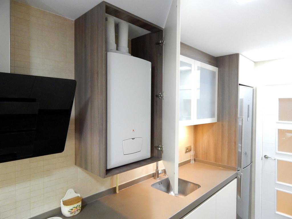 Muebles de cocina modelo hit con gola for Mueble para encimera