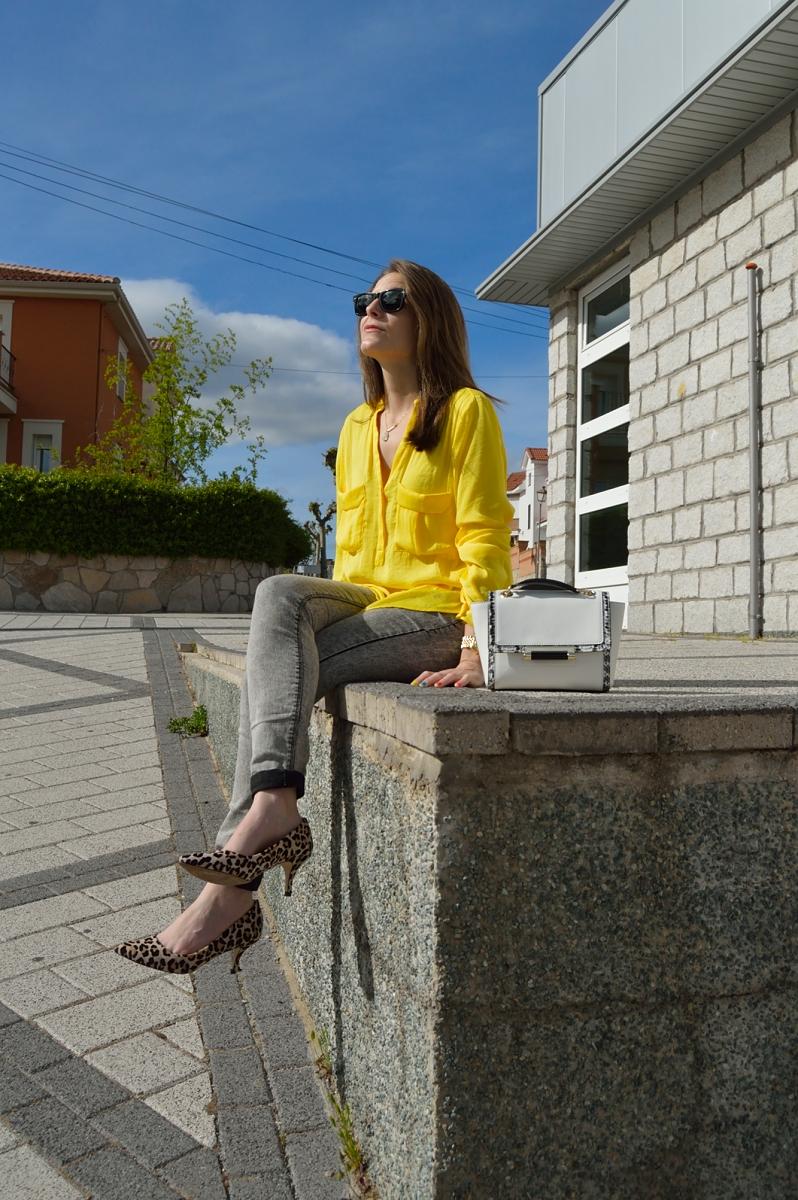 lara-vazquez-madlula-blog-style-streetstyle-yellow