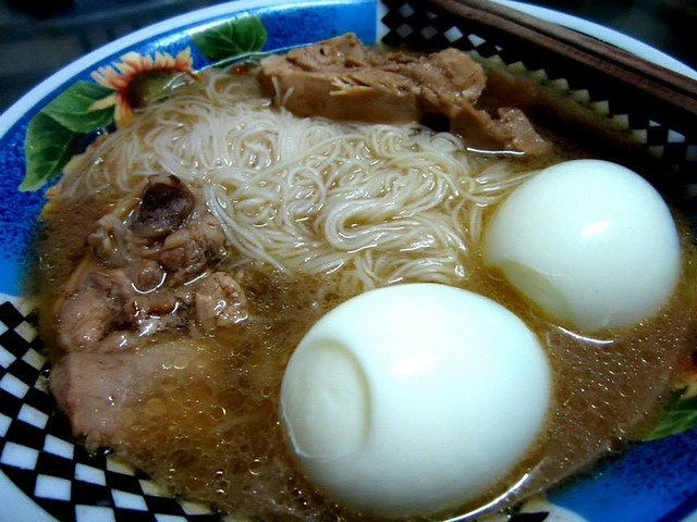 STP's mee sua in chicken soup