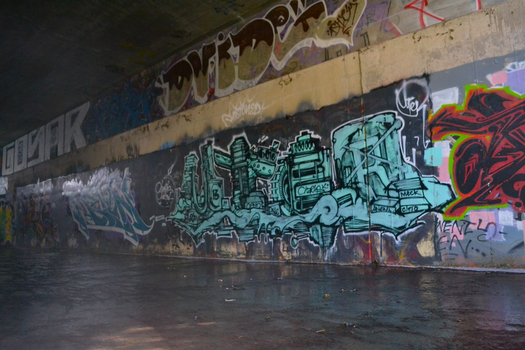 UTER, Graffiti, Chill Spot, Eastbay, Charles