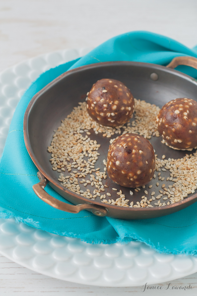 Rolling-sesame-date-truffles