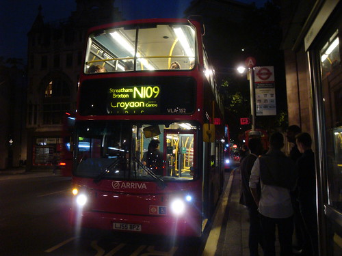 Arriva London VLA152 on Route N109, Trafalgar Square