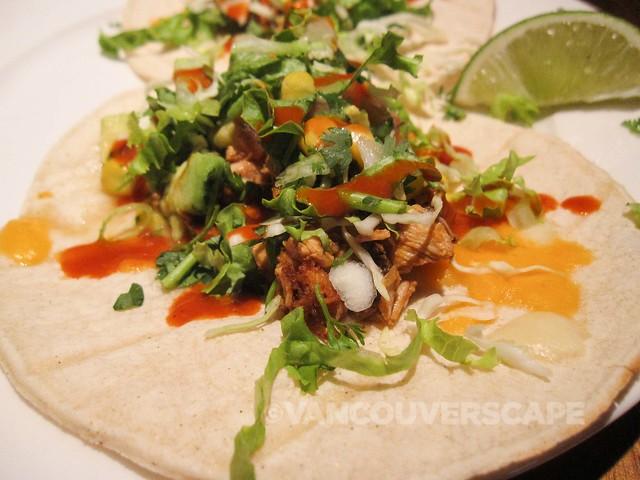 Earl's Los Cabos chicken tacos
