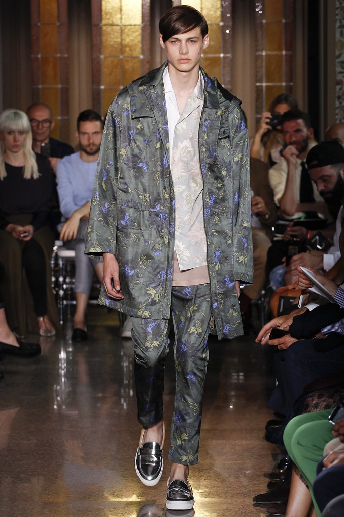 SS15 Milan N°21 012_Darwin Gray(VOGUE)
