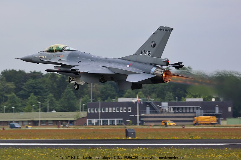 "Royal Netherlands Air Force F-16AM ""Demo-Team"" J-142"