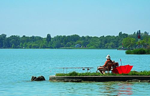 summer fishing fisherman hungary sommer sunburn relaxed ungarn balaton magyarorszag angeln zala angler plattensee fischen sonnenbrand keszthely zalamegye elkaypics lutzkoch