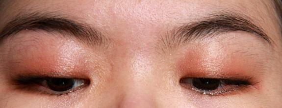 Omorose Hypnotic Eyes Silky Eyeshadow Duo