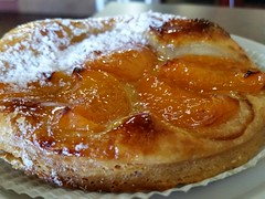 meal, breakfast, baked goods, custard pie, tart, food, dish, tarte tatin, dessert, cuisine, danish pastry,
