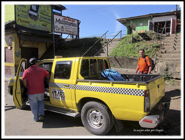 Taxis amarillos a Changuinola