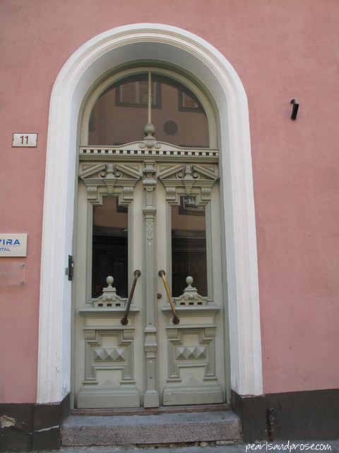 tallinn_doorway_web