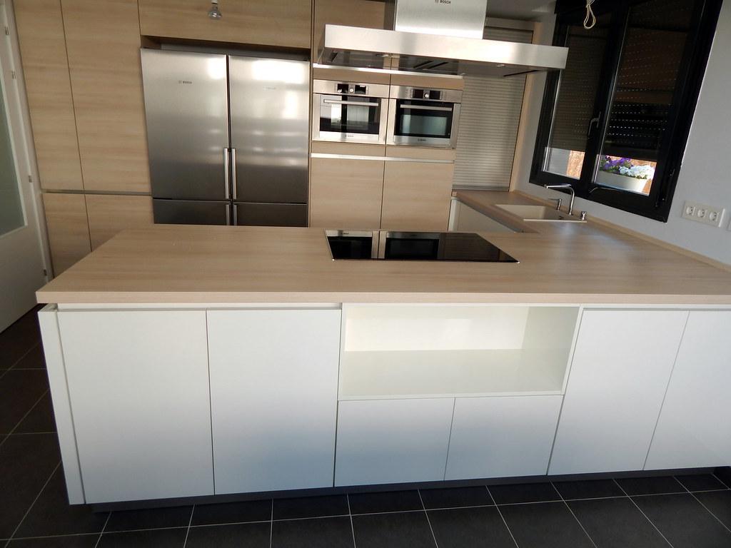 Muebles de cocina blanco alto brillo for Muebles de cocina blancos