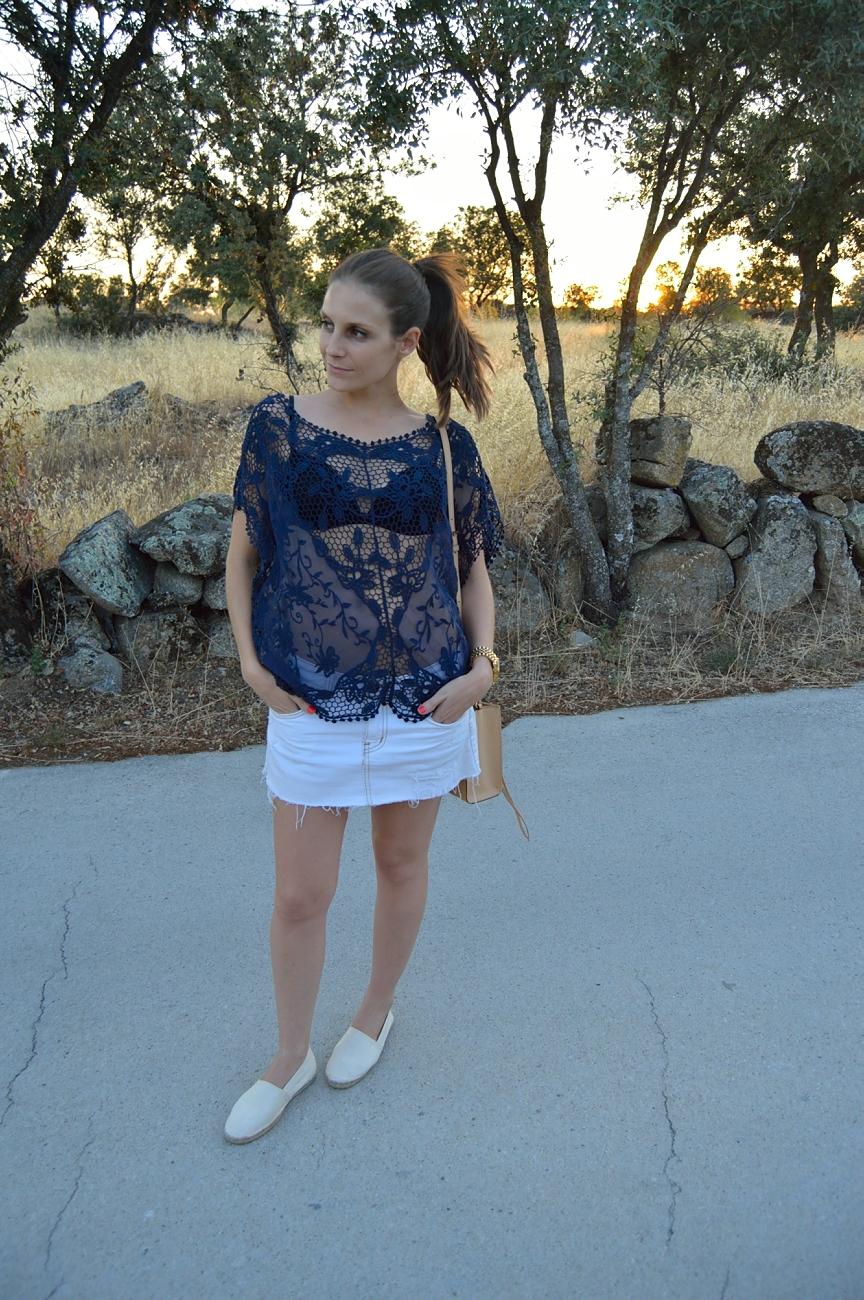 lara-vazquez-mad-lula-fashion-blog-trends-look.blue-lace-style