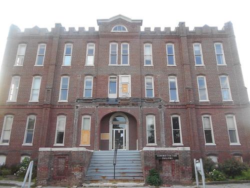 Lakeshore Admin Building (4)