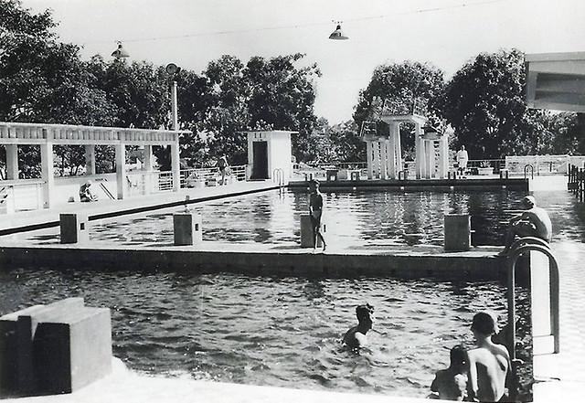 SAIGON 1949 - La piscine régionale de Saïgon-Cholon. Vue générale du bassin - Hồ Bơi An Đông