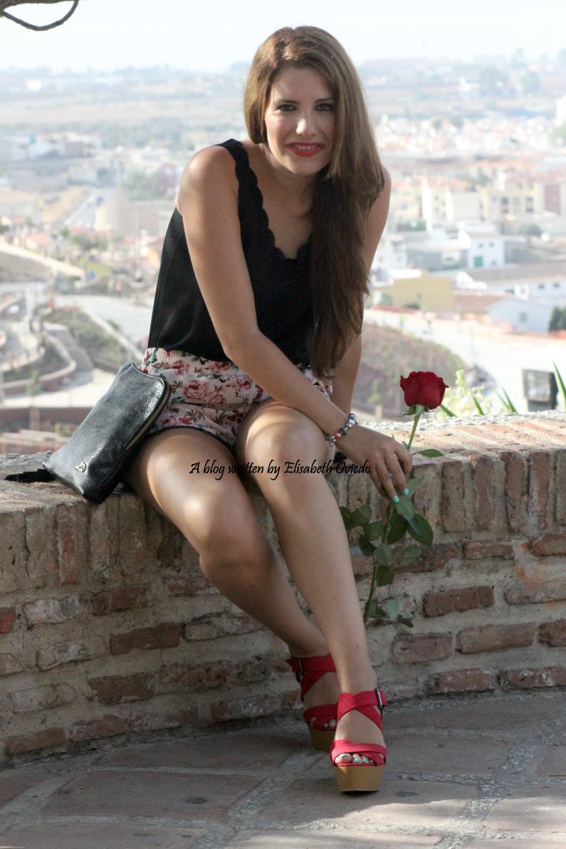 shorts de flores y cuñas Marypaz HEELSANDROSES (2)