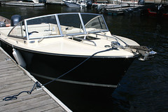 Rossiter 23 Classic Day Boat - flush deck hatch provides access to below foredeck storage & seating