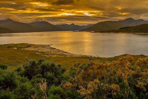 sunset scotland highlands sunsets loch glengarry scottishhighlands lochquoich scotishhighlands