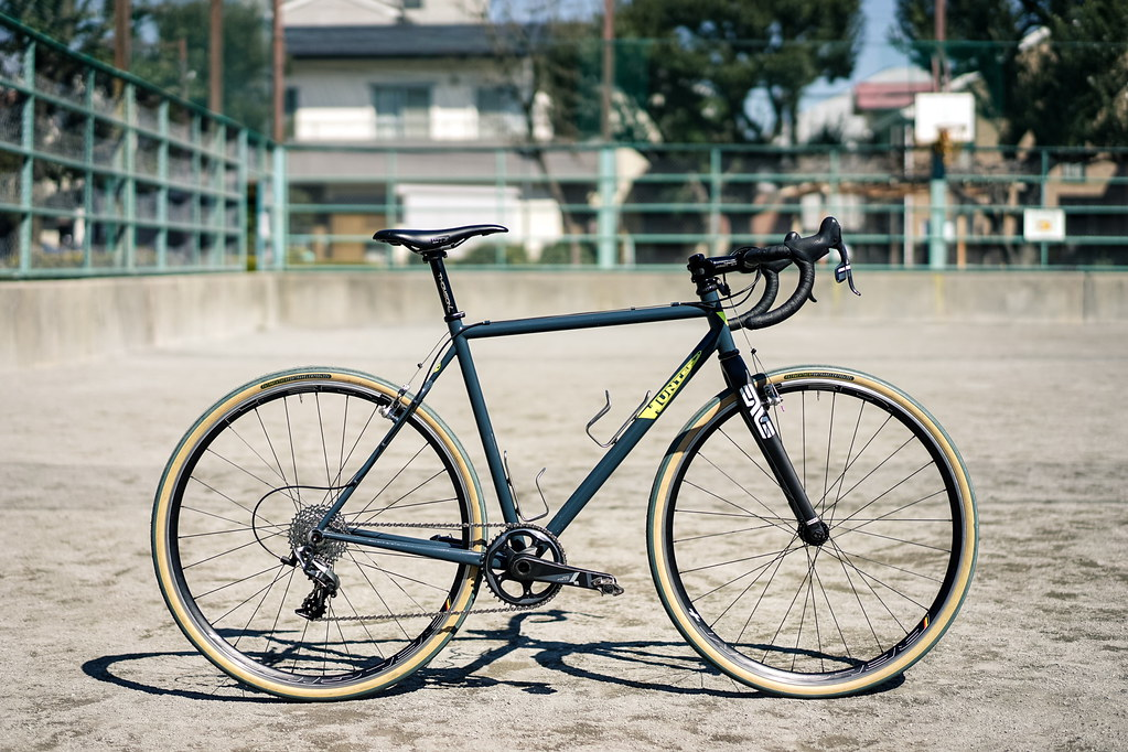 Duncan's *HUNTER CYCLES* cx complete bike