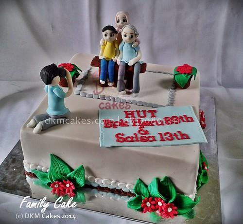 family cake, DKM Cakes telp 08170801311, DKMCakes, untuk info dan order silakan kontak kami di 08170801311 / 27ECA716  http://dkmcakes.com,  cake bertema, cake hantaran,   cake reguler jember, custom design cake jember, DKM cakes, DKM Cakes no telp 08170801311 / 27eca716, DKMCakes, jual kue jember, kue kering jember bondowoso   lumajang malang surabaya, kue ulang tahun jember, kursus cupcake jember, kursus kue jember,   pesan cake jember, pesan cupcake jember, pesan kue jember,   pesan kue pernikahan jember, pesan kue ulang tahun anak jember, pesan kue ulang tahun jember, toko   kue jember, toko kue online jember bondowoso lumajang,   wedding cake jember,pesan cake jember, beli kue jember, beli cake jember