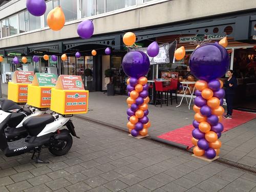Ballonpilaar Breed Rond New York Pizza Hoogvliet Rotterdam